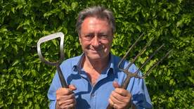 Grow Your Own At Home With Alan Titchmarsh - Episode 6