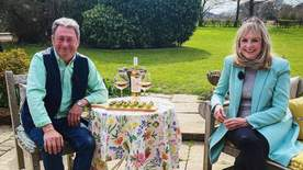 Alan Titchmarsh: Spring Into Summer - Episode 4