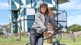 Australia With Julia Bradbury - Episode 7